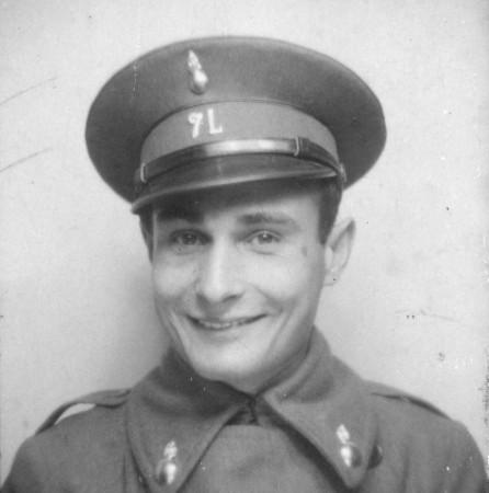 Juan Pujol en el servicio militar